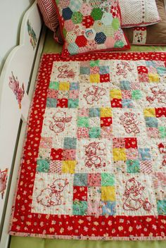 CHRISTMAS QUILTS ??? use 5 x 5 square next to a piece of plain material, same size - add border