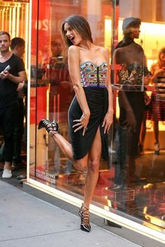 Model street style   Slit skirt and patterned corset top