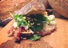 RAW-tea en rustiek brood bij Baker&Moore - De Buik van Rotterdam