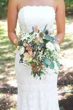 .A beautiful mix of flowers for a Celtic wedding.