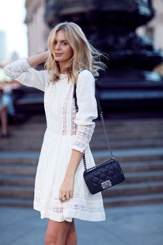 Looking for more white fashion & street style ideas? Check out my board: Blanc Street Style by Street Style // Fashion // Spring Outfit - Merry Danamere - Chanel Street Style, Looks Street Style, Fashion Mode, Star Fashion, Look Fashion, Womens Fashion, Dress Fashion, White Fashion, Fashion Spring