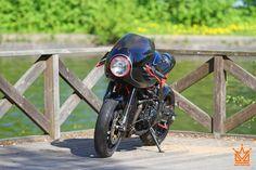 Triumph Daytona 955 Cafe Racer by Mat Custom #motorcycles #caferacer #motos | caferacerpasion.com