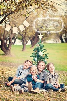 Love the lighting and color here!  Family picture idea.