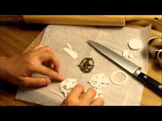 How to Make a Hunger Games Mockingjay Pin Cupcake ~ The Hunger Games