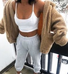 outfits with sweatpants \ outfits ; outfits for school ; outfits with leggings ; outfits with air force ones ; outfits with black jeans ; outfits with sweatpants ; outfits with doc martens Cute Lazy Outfits, Chill Outfits, Mode Outfits, Trendy Outfits, Fashion Outfits, Lazy Day Outfits For Summer, Casual Summer, Casual Comfy Outfits, Cute Outfits For Winter
