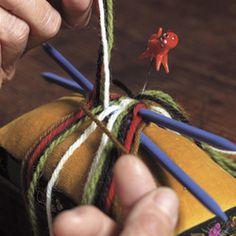 Kurs, oppskrifter, vev, garn - Husflidsbutikken i Ski, A.Larsen husflid as Finger Weaving, Projects To Try, Hair Styles, Beauty, Ski, Threading, Hair Plait Styles, Hair Makeup, Hairdos