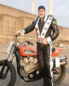 Motorcycle Leather, Motorcycle Style, Motorcycle Jacket, Motorcycle Fashion, Harley Davidson Photos, Harley Davidson Motorcycles, Robbie Knievel, Evil Kenevil, Leather Collar