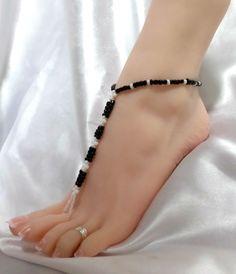 black-and-white-bead-barefoot-sandals-beach-dance-foot-jewelry-53794-2cee.jpg (926×1079)