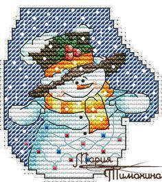 Снеговик с гирляндами