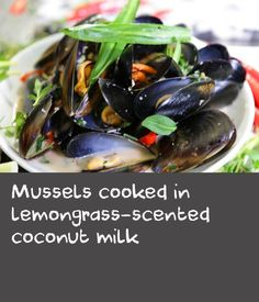 Mussels cooked in lemongrass-scented coconut milk Apple Recipes, Wine Recipes, Chilli Mussels, German Meat, Apple Wine, Vietnamese Restaurant, Meat Dish, Vietnamese Recipes, Lemon Grass