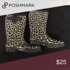 Capellini NY Rainboot Black and white expandable calf rain boot. Worn twice. Capelli of New York Shoes Winter & Rain Boots