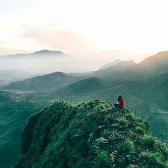 bingung #pengentraveling kemana? nih ada ide buat kamu   Foto diambil sama salah satu #indonesiaphotographers keren : @xaveadventure ndiambil di Gunung Batu Jonggol - Bogor - West Java   ------------------------------------ #awesomeplaceinindonesia #pengentraveling #pengentravelingdestinasi #pengentravelingindonesia #indonesia #awesomeplace #photography #photooftheday #fotograferindonesia