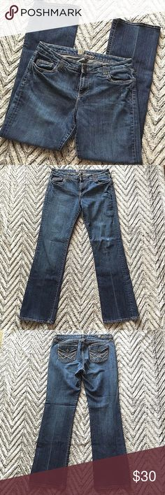 """KUT From The Kloth Medium Wash Bootcut Jeans Inseam: 32"""" Waist: 16.5"""" Hip: 19.5"""" Rise: 10"""" Kut from the Kloth Jeans Boot Cut"""