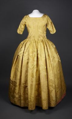 Back of yellow silk robe a l'anglaise.  Dated 1740-1750. Springhill Costume Collection © National Trust / Andrew Patterson