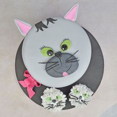 Lily Cat, Cupcake Cakes, Cupcakes, Cupcake Tutorial, Character Cakes, Cake Pictures, Cat Party, Cat Face, Celebration Cakes