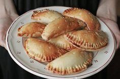 Empanadas: Eine Handvoll Genuss, fertig