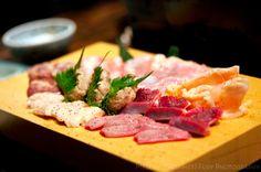 Chicken platter  at Yakitori Akira Grilled Chicken Restaurant 焼鶏 あきら in Naka-meguro, Tokyo Japan