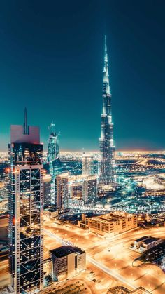 Dubai Airport Transfer with Top tour places visit in 1 day tavel plain. See what you can see in a day in Dubai City Skyline Night, Night City, Night Night, Dubai Building, Beautiful Buildings, Beautiful Landscapes, Beautiful Places, City Iphone Wallpaper, Wallpaper Wallpapers