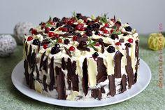 tort cu ciocolata si fructe de padure Romanian Desserts, Cheesecakes, Biscotti, Dessert Recipes, Dessert Ideas, Sweet Treats, Pudding, Ice Cream, Yummy Food