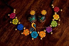 (handmade jewellery for navratri) Funky Jewelry, Jewelry Crafts, Jewelry Accessories, Fashion Accessories, Silk Thread Bangles Design, Thread Jewellery, Handmade Beads, Handmade Jewelry, Teracotta Jewellery