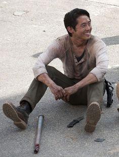 Steven Yeun as Glenn Rhee in The Walking Dead set Walking Dead Season, Memes The Walking Dead, Walking Dead Characters, Walking Dead Tv Series, Fear The Walking Dead, Twd Glenn, Glenn Y Maggie, Glen Twd, Walking Dead Wallpaper