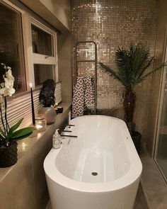 Dream Bathrooms, Beautiful Bathrooms, Master Bathrooms, Small Bathrooms, Bathroom Interior Design, Interior Design Living Room, Tree Interior, Style At Home, Bathroom Inspiration