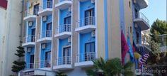 Situato in pieno centro, l'Hotel New Heaven consente un facile accesso alla città e a tutto ciò che ha da offrire. #Saranda #Albania