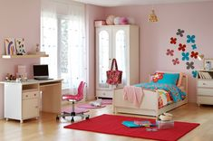 Tween girl's bedroom; budget decorating tips for children's rooms