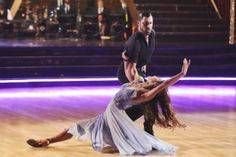 Meryl Davis and Maksim Chmerkovskiy dance the Foxtrot on week 3 of ABC's 'Dancing With The Stars' on March 31, 2014. They received 39 out of 30 points from the judges.