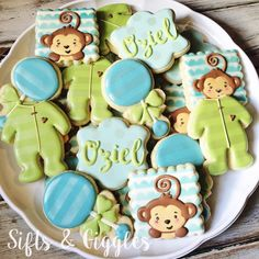 Sifts and Giggles- Custom Cookies Galletas Decoradas Baby Shower, Galletas Cookies, Iced Cookies, Sugar Cookie Icing, Royal Icing Cookies, Sugar Cookies, Monkey Cookies, Cute Cookies, Sweet Cookies