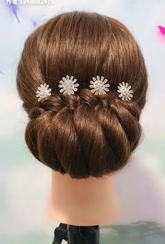 Beautiful enchanting buns hairstyles - Beautiful enchanting buns hairstyles Best Picture For diy clothes For Your Taste You are looking - Hair Up Styles, Medium Hair Styles, Natural Hair Styles, Style Hair, Bun Hairstyles For Long Hair, Braided Hairstyles, Hair Updo, Bridal Hair Buns, Long Hair Video