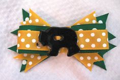 Baylor hair bow with bear  FREE SHIPPING by hellodomino on Etsy, $5.00