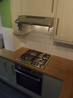 Stainless steel appliances create the modern look. http://www.ppmsltd.co.uk