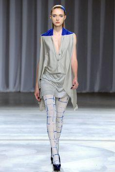 TRUE FASHIONISTA NOW: Tokyo Fashion Week: Yasutoshi Ezumi S/S 2013 Collection.