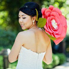Oversized paper flowers? Yes, please! #Disneyland #wedding #pink