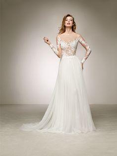 Jsme značkový svatební salon, nabízíme luxusní kolekci Pronovias. Šaty Pronovias vám můžeme objednat na přání. Svatebni salon Svatka Uherské Hradiště