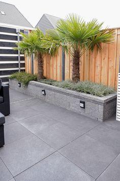 Garden Wall Designs, Back Garden Design, Modern Garden Design, Backyard Patio Designs, Landscaping Retaining Walls, Modern Landscaping, Backyard Landscaping, Small Backyard Gardens, Outdoor Gardens