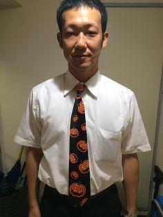 10/31本日はハロウィン☆彡 今日のためのネクタイを着けて来ていただいちゃいました(ノ*・ω・)ノ* 時期に合わせて色々なネクタイを着けこなしてくださっていつも感動します♪