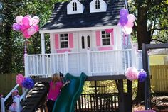Girlie Treehouse @ Regan Seifert the girls need this! Wish I could get this for them!