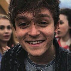 his teeth are so cute aw Treading Water, The Vamps, Bae, Juicy Fruit, Musicians, Teeth, Icons, Vampires, Beautiful People