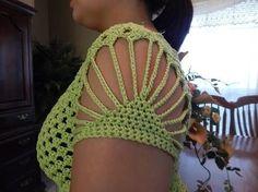 Fabulous Crochet a Little Black Crochet Dress Ideas. Georgeous Crochet a Little Black Crochet Dress Ideas. Cardigan Au Crochet, Crochet Blouse, Crochet Shawl, Crochet Lace, Crochet Stitches, Crochet Bikini, Crochet Patterns, Beau Crochet, Crochet Tops