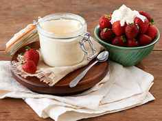 3-Minute Mason Jar Whipped Cream