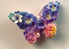 ► Brooch in butterfly shape - LunarHeavenly (Crochet Pattern Free)