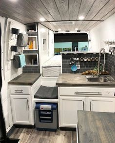 Camper Van 20 Awesome Sprinter Camper Van Umbau - Decoratop Old Fashion Bread This is a bread for br Kombi Home, Casas Containers, Van Home, Camper Van Conversion Diy, Sprinter Van Conversion, Motorhome Conversions, Van Conversion Layout, Ford Transit Conversion, Van Conversion Checklist