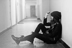 Garota pensando
