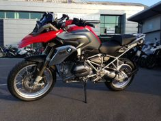 R1200GS out of the shipping crate