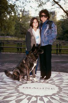 sean and yoko John Lennon Yoko Ono, Sean Lennon, John Lennon Beatles, The Beatles, John Lennon Quotes, Family Images, A Day In Life, Daniel Radcliffe, Paul Mccartney