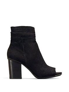 4e9670481f96bb 861 Best Shoes Inspiration images