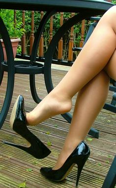 Sexy Nylons and Beautiful Legs Hot Heels, Sexy Legs And Heels, Sexy High Heels, Beautiful High Heels, Gorgeous Feet, Beautiful Legs, Pantyhose Heels, Stockings Heels, Pantyhose Outfits