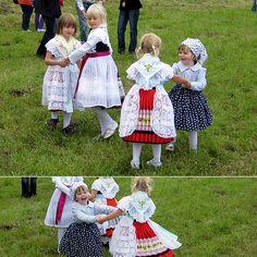Fröhliche Tänzerinnen #Spreewald